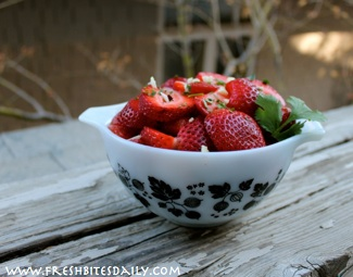 A bright fruit salsa for spring and summer