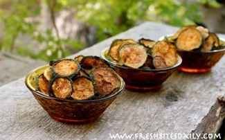 A fantastic way to enjoy your zucchini harvest ;)