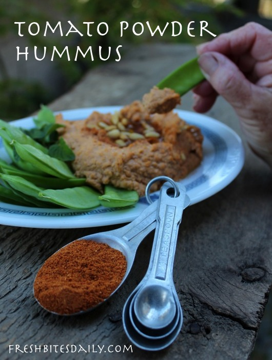 Spicy tomato powder hummus